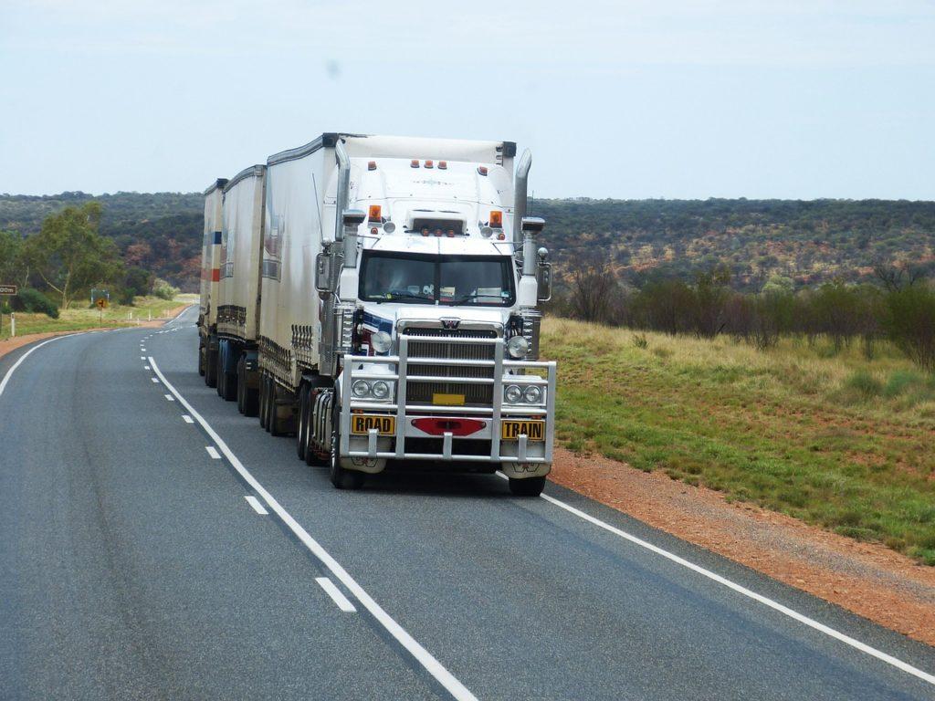 トラック運送業